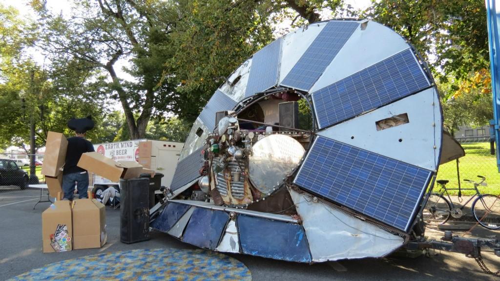 solar saucer